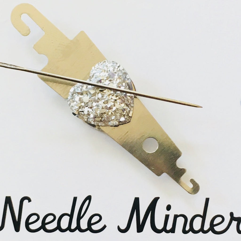 Needle Threader and Needle Minder Combination - Silver Heart