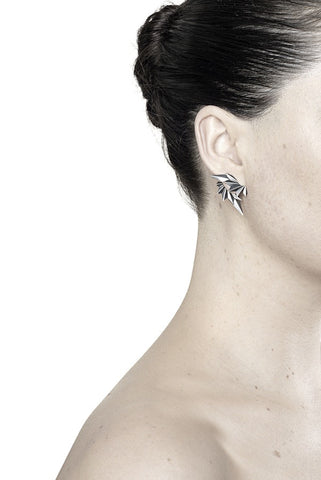 WING REVERSE EARRING - BLACK
