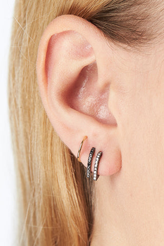 Bess Noir Twirl Earring - 18K yellow gold