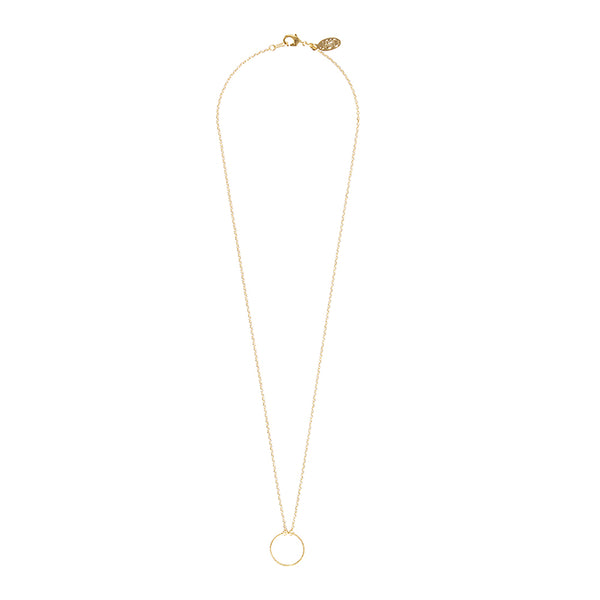 Jolie & Deen Hollow Circle Necklace in gold