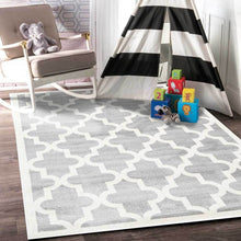 Load image into Gallery viewer, Piccolo Light Grey and White Lattice Pattern Kids Rug
