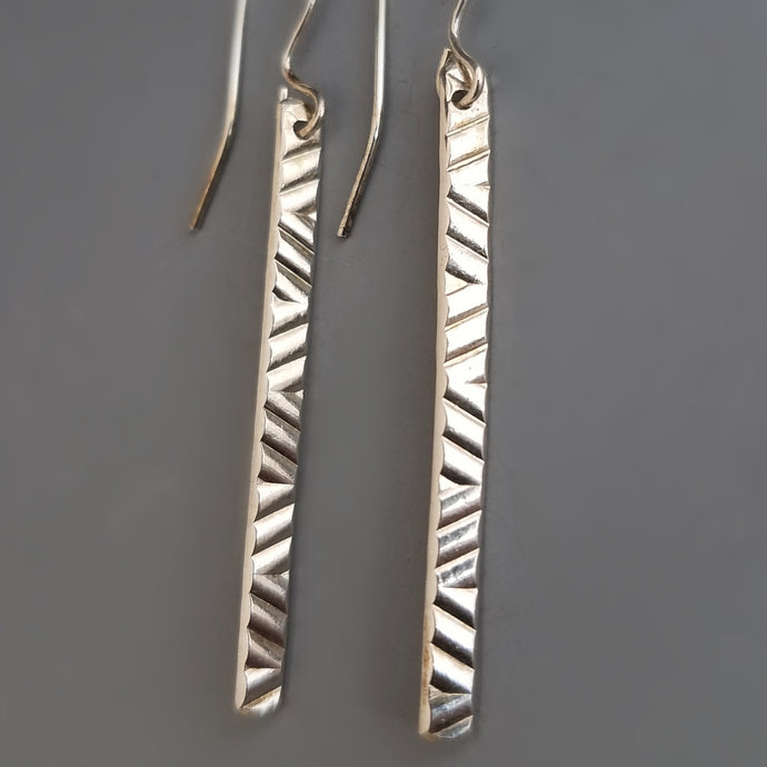 Line Texture Bar Earrings