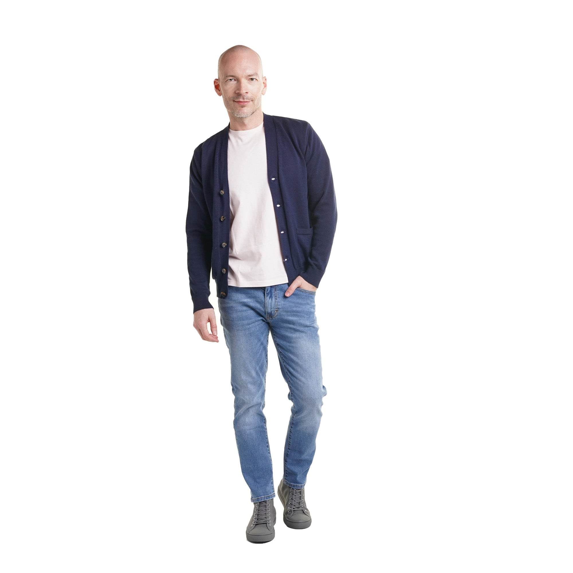Cardigan with t-shirt and jeans