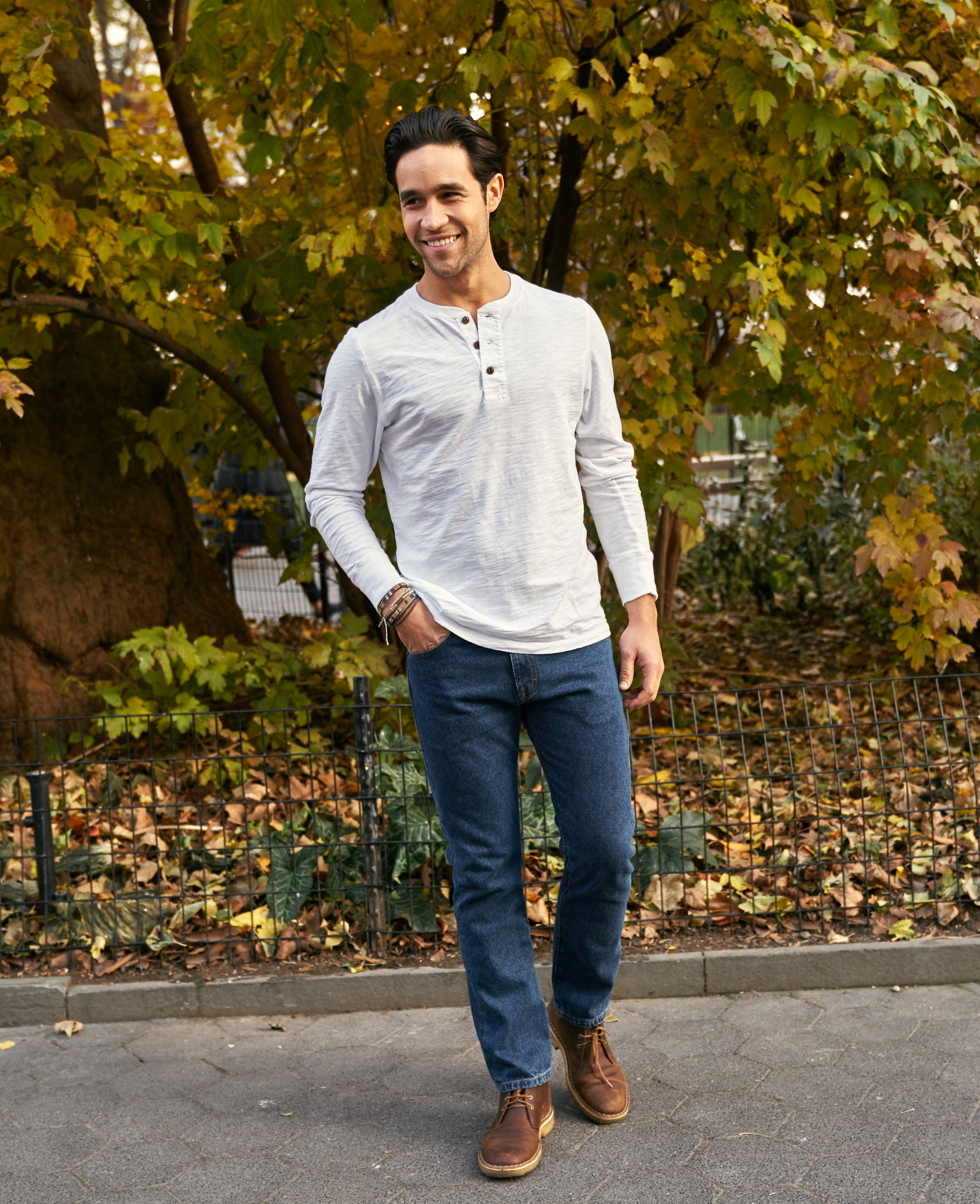 How to Wear Dark Wash Jeans (10 Outfit Ideas w Pictures