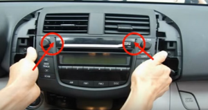 How to Remove and Install a 2006-2012 TOYOTA RAV4 Car Radio