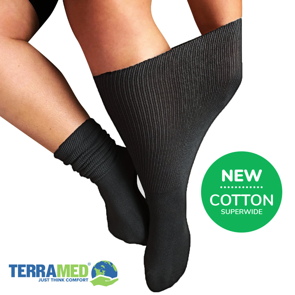 Medical Grade Wide Calf Compression 20-30 mmHg Unisex Cotton Compression Socks - Terramed.info
