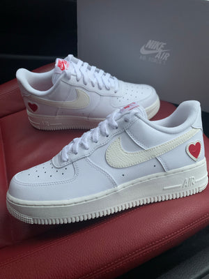 NIKE AIR FORCE 1 'VALENTINES'