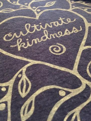 W's Cultivate Kindness Tee Shirt, Charcoal Gray