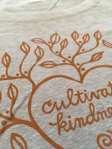 W's Cultivate Kindness Tee Shirt, Steel Blue