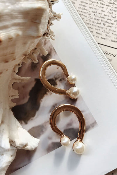 Curved Pearl Earrings