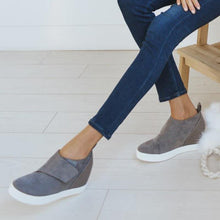 Load image into Gallery viewer, New Breathable Soft Footwear. You won't regret it. - Fashionsarah
