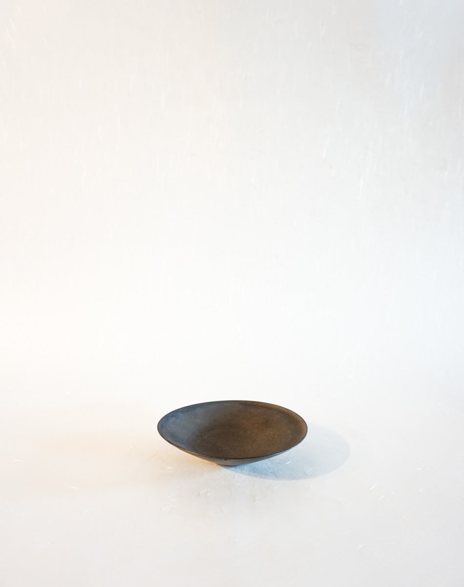 Mini Low Bowl Plate in Umber Metallic