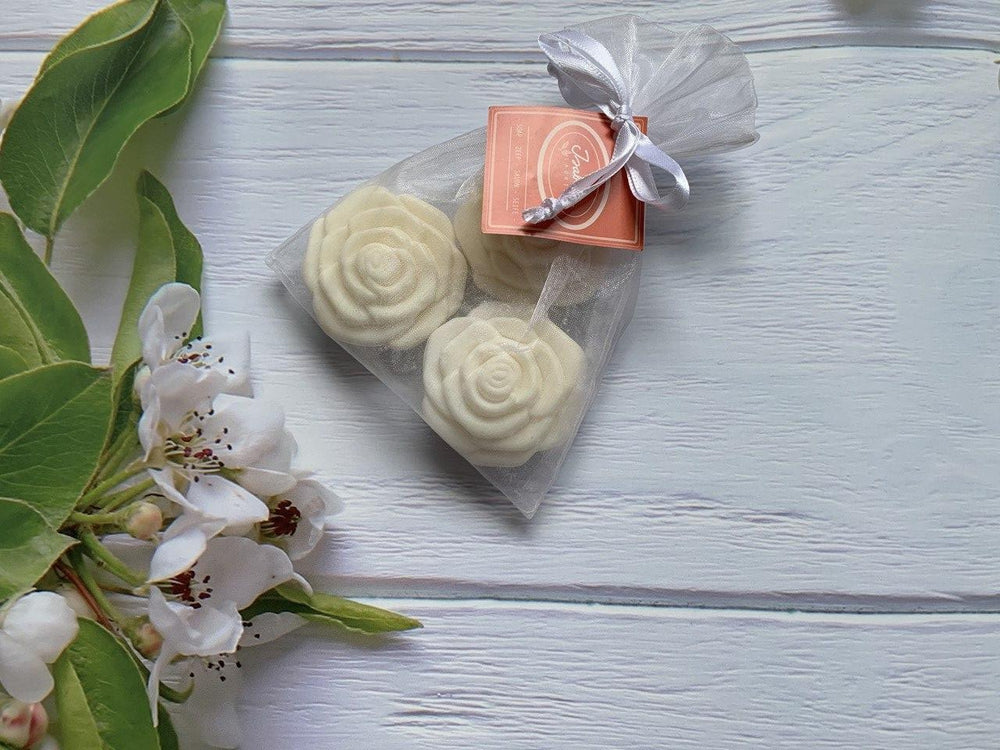 Isabelle Laurier - Rose Shaped Soap 'White' in Organza Bag (3pcs)