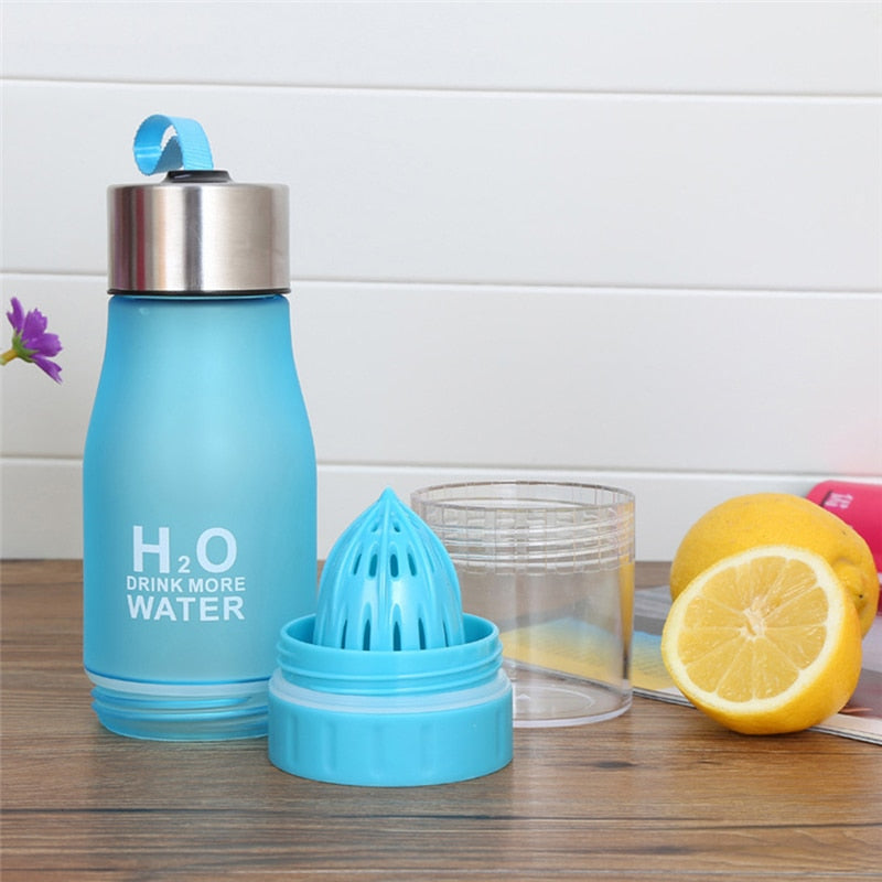 H2O Water Bottle with Fruit Infuser & Juicer in one - 650ml (PBA Free)