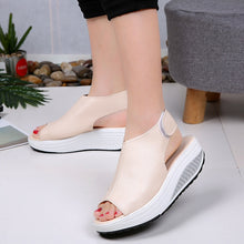 Women's Summer Sandals / Vintage Wedges / Platform / Peep Toe / Fish Toe