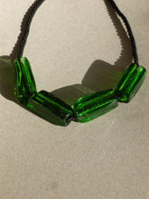 Load image into Gallery viewer, Gelat necklace  / Green and black