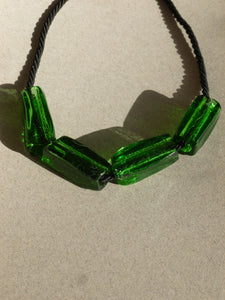 Gelat necklace  / Green and black