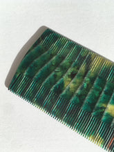 Load image into Gallery viewer, Vintage lice comb - Reptile