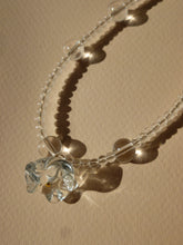 Load image into Gallery viewer, Corolle necklace - Transparent