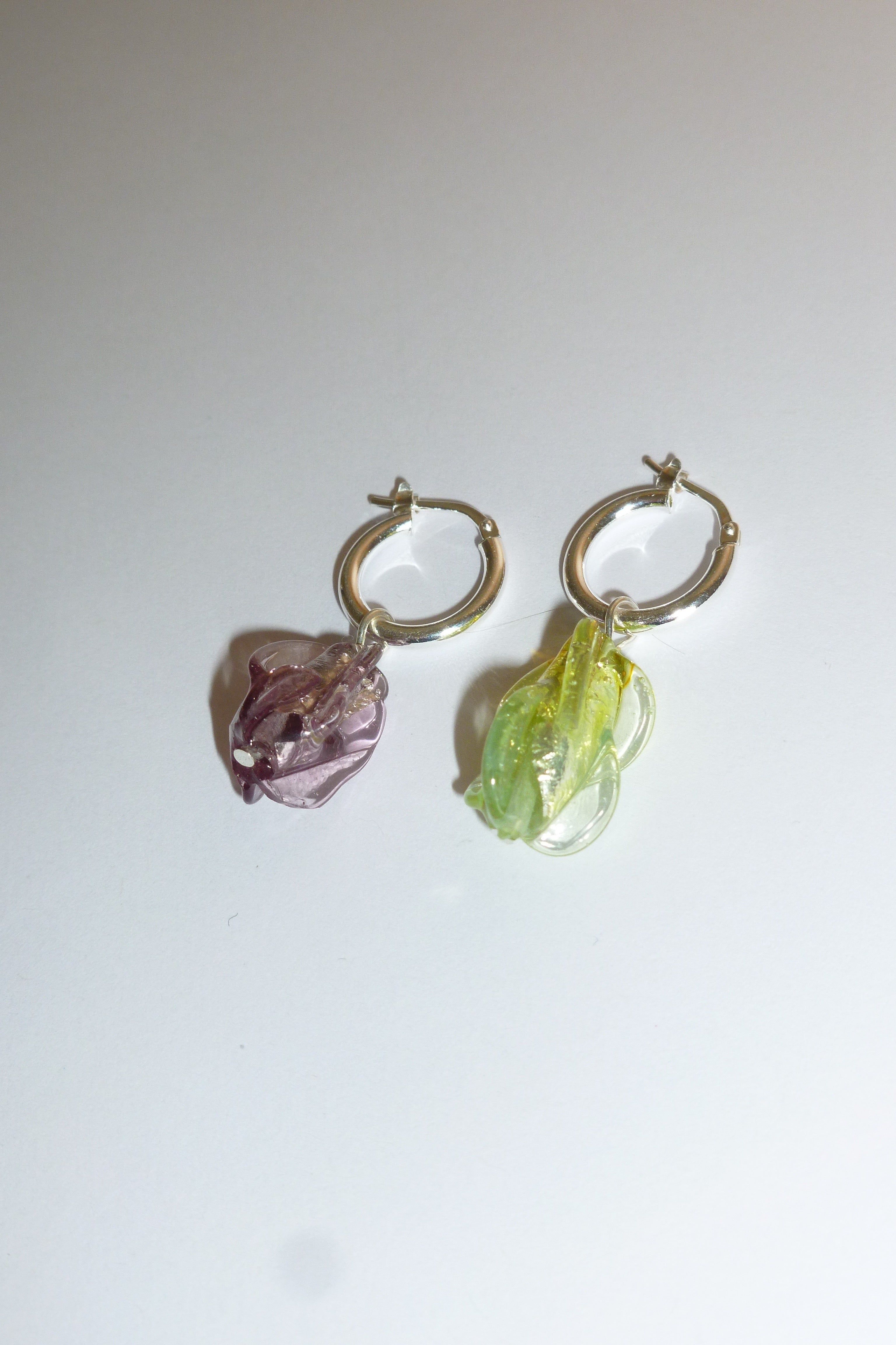 Special créoles earrings - Mismatched torpedoes - One of a kind