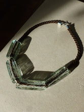 Load image into Gallery viewer, Gelat necklace  / Clear and brown