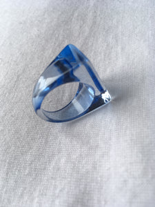Vintage lucite ring size 56