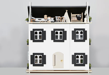 A DOLL HOUSE FOR US EDIE