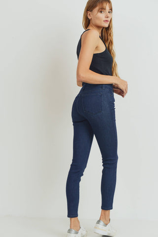 High Rise Essential Skinny Jeans