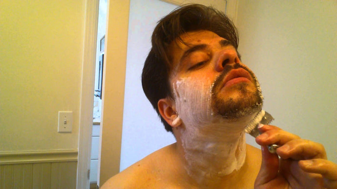 HOW TO SHAVE SENSITIVE SKIN WITH A SAFETY RAZOR