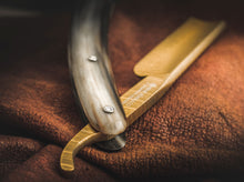 Load image into Gallery viewer, Boker Straight Razor Damascus Gold Horn 5/8""