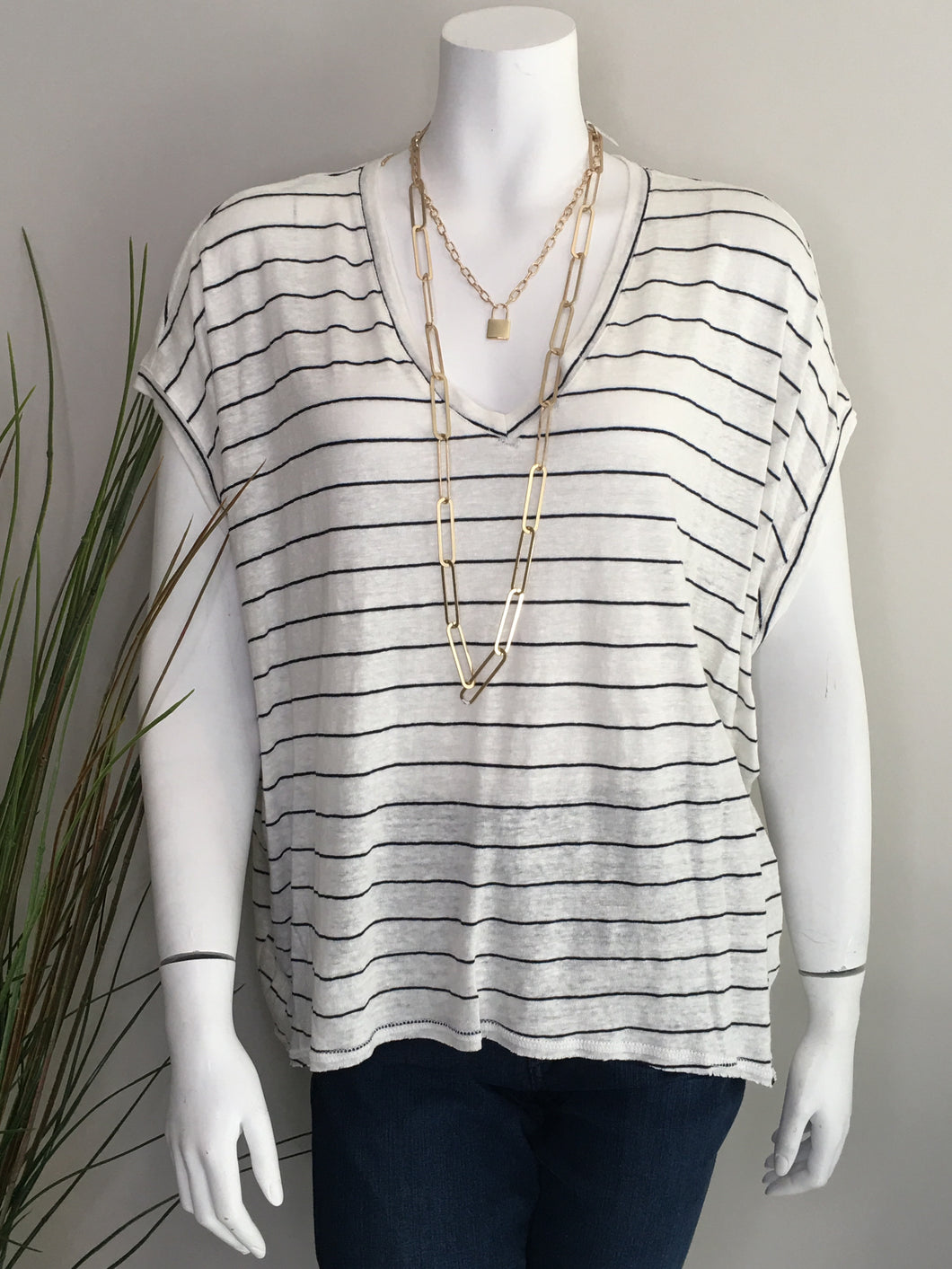 Fifteen Twenty Raw Hem V-neck Top