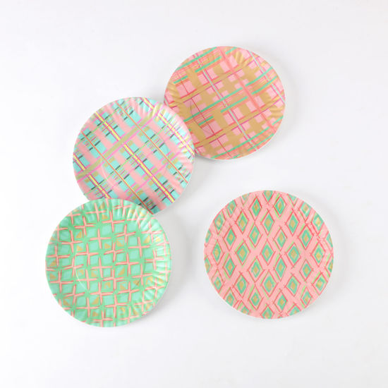 "Diamond and Plaid ""Paper"" Plate"