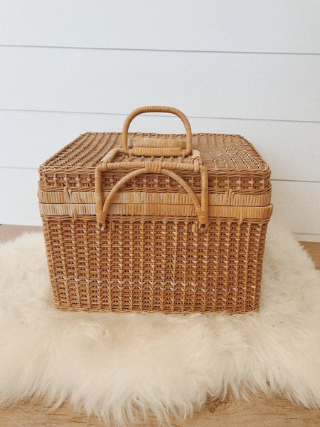Large Wicker Picnic Basket