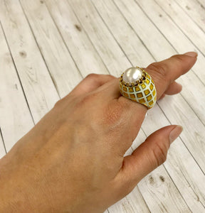 Vintage 18K Gold Green and Yellow Enamel Mabe Pearl Statement Ring - alpha-omega-jewelry