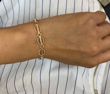 Load image into Gallery viewer, Vintage 14K Gold Simple Round Link Bracelet - alpha-omega-jewelry