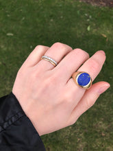 Load image into Gallery viewer, Vintage Lapis Lazuli and 14K Gold Signet Ring