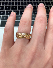 Load image into Gallery viewer, Vintage Les Must de Cartier 18K Gold Trinity Size 7 Rolling Ring