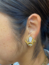 Load image into Gallery viewer, Vintage Geometric 18K Gold and 2.9 Carat Diamond Clip Earrings
