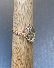 "Load image into Gallery viewer, Vintage ""1939"" Date Ring 14K Bicolor Gold Ring"