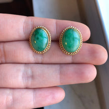 Load image into Gallery viewer, Vintage 14K Gold and Green Jadeite Jade Cufflinks