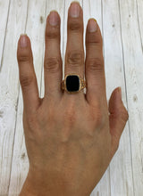 Load image into Gallery viewer, Victorian 14K Gold Banded Agate Unisex Signet Ring
