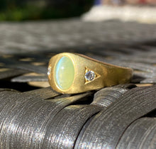 Load image into Gallery viewer, Vintage Cat's Eye Chrysoberyl and Diamond 18K Gold Gypsy Ring