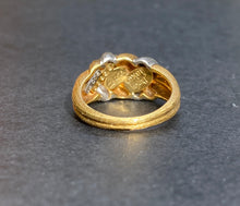 Load image into Gallery viewer, Henry Dunay 18K Yellow Gold and Platinum Bicolor Sabi Thunderbolt Band Ring
