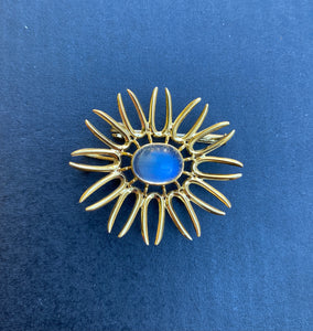 Vintage 18K Gold and Moonstone Abstract Sunburst Pendant Brooch