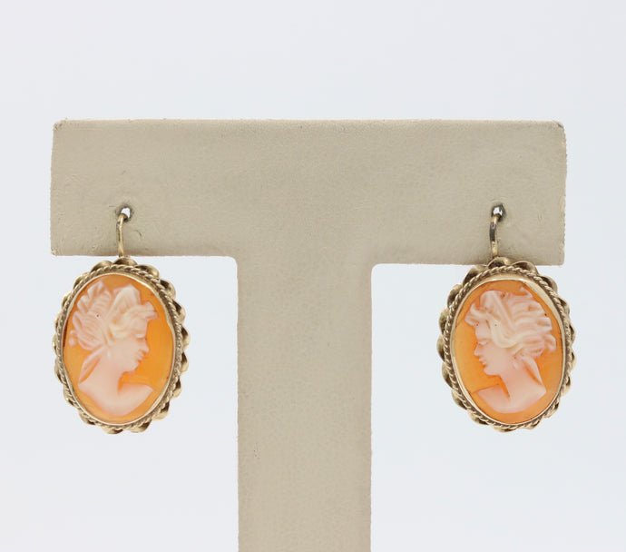 Vintage 14K Gold Shell Cameo Earrings
