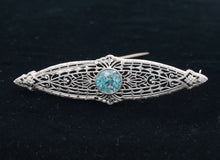 Load image into Gallery viewer, Art Deco 14K Gold and Blue Zircon Filigree Bar Pin