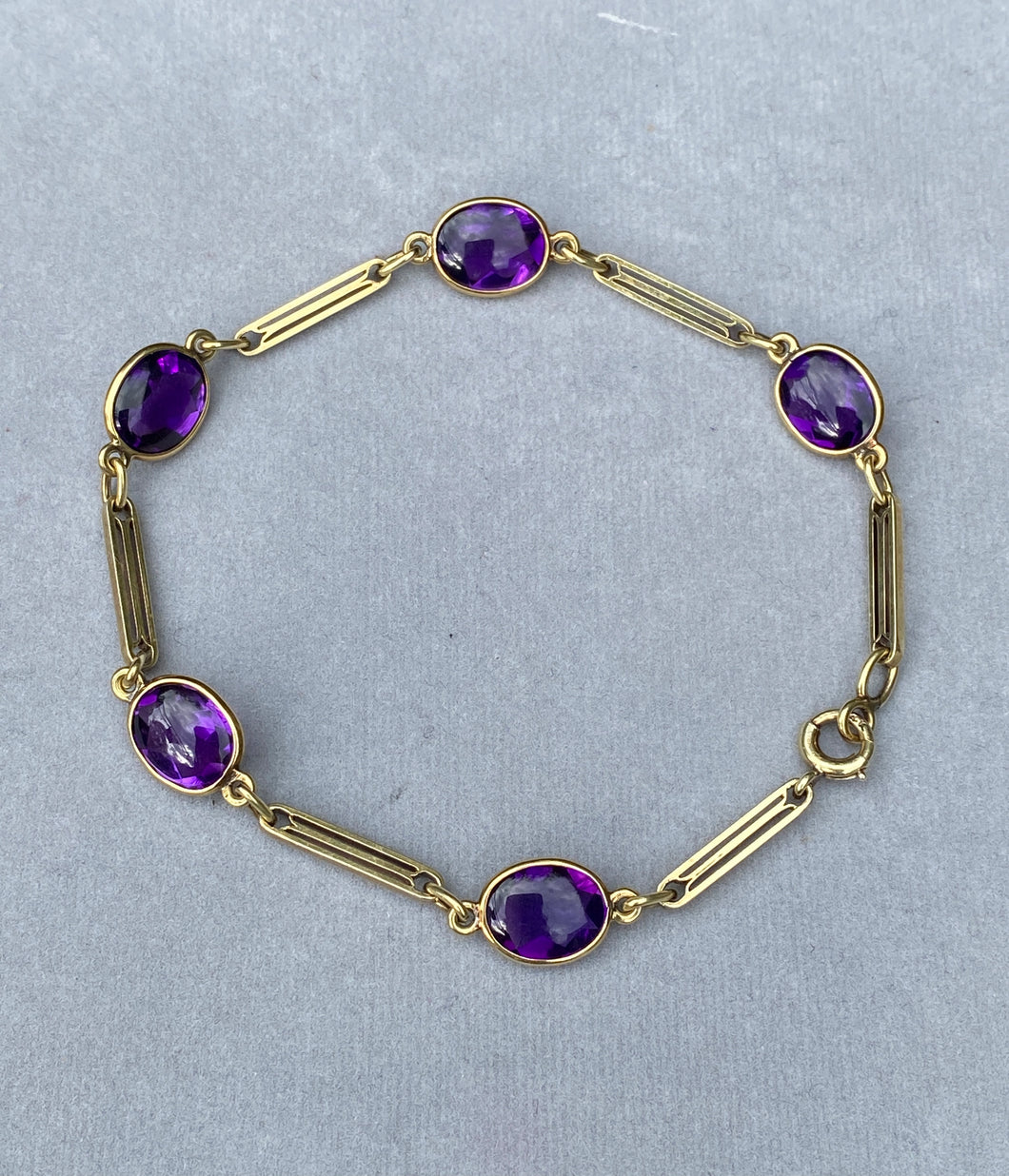 Art Deco 14K Gold Buff Top Amethyst Delicate Bar Bracelet