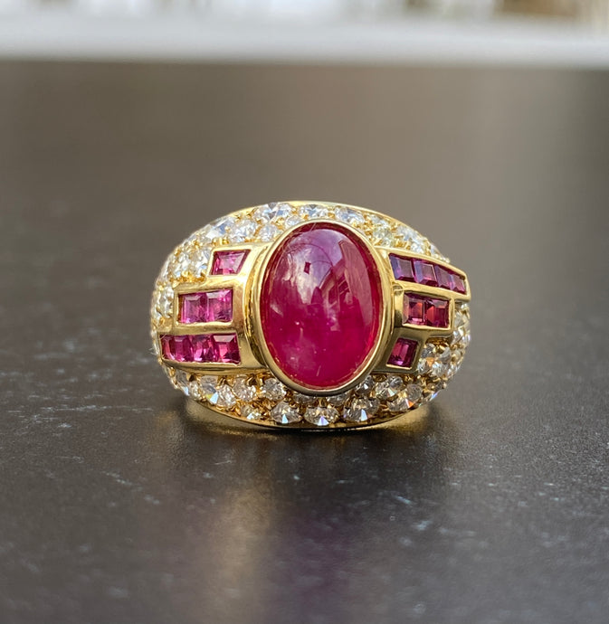 Vintage 1980s Cabochon Ruby and 3.6 Carat Diamond 18K Gold Ring
