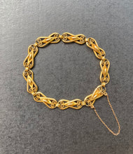 Load image into Gallery viewer, French Victorian 18K Gold Solid Open Link Filigree Bracelet