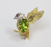 Load image into Gallery viewer, E. Wolfe & Co 18K Gold Diamond and Peridot Bird Pin